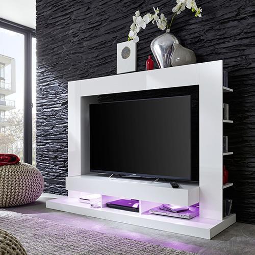 Современный ТВ-юнит с подсветкой нижних ниш